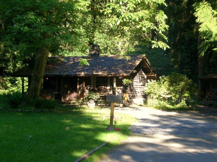 at the cabin used as Marin's home on the TV show Men in Trees :) - photo by jennifer pedraza